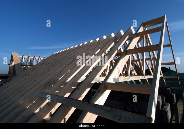 Essex house building site prefabricated roof trusses in for Prefabricated roof trusses