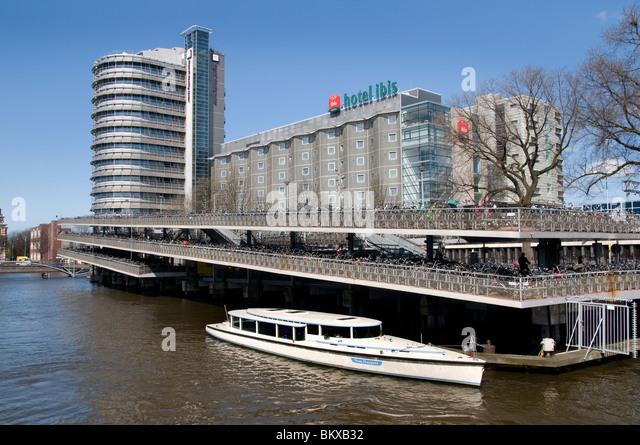 Boat Hotel Amsterdam Central