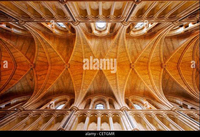 The ceiling of Southwark Cathedral. William Shakespeare is believed to have been present when John Harvard, founder Stock Foto