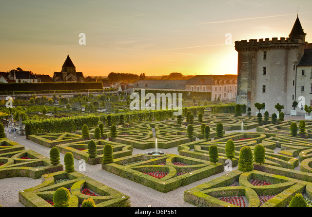 The Chateau de Villandry and its gardens at sunset, UNESCO World Heritage Site, Indre-et-Loire, Loire Valley, France, Stock Foto
