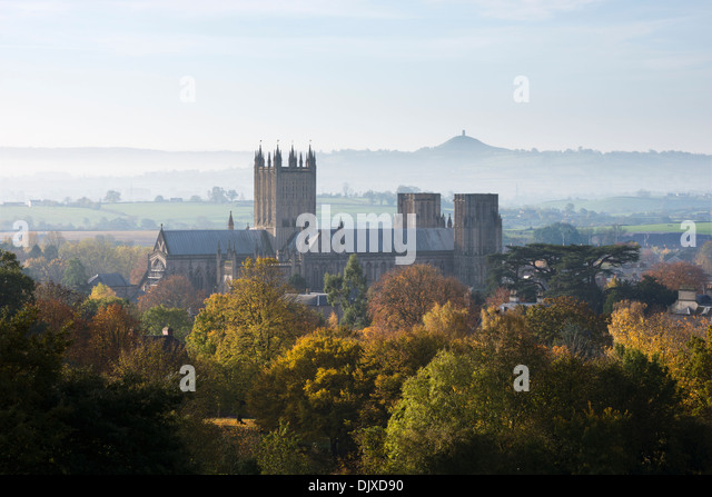 wells-cathedral-nestled-amongst-autumnal