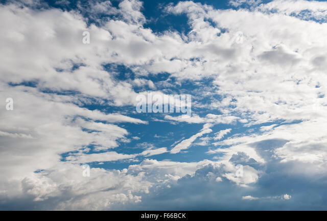 growing cumulus clouds formation blue sunny sky and white. Black Bedroom Furniture Sets. Home Design Ideas