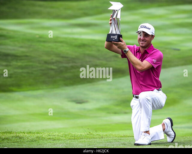 Kuala Lumpur, Malaysia, October 23, 2016. US golfer, Justin Thomas with the trophy after win the CIMB Classic 2016 Stock Foto