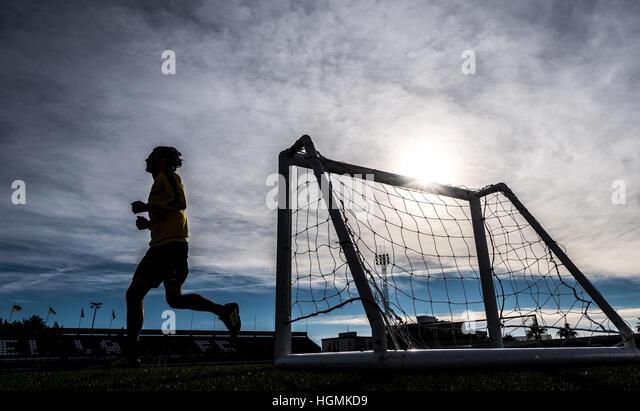 Marbella, Spain. 11th Jan, 2017. Dortmund's Neven Subotic running at the Borussia Dortmund training camp in Marbella, Stock Foto